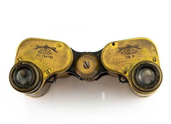 Binokkel Busch Thaliar (kasutati hipodroomil võiduajamistel) tootel defekt