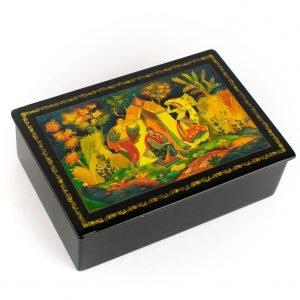 Vene käsimaalinguga karp, papjeemašee, signeeritud